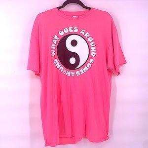 Vintage hot neon pink ying yang t shirt size large